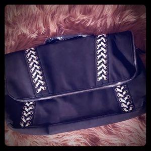 Black gx by Gwen Stefani purse